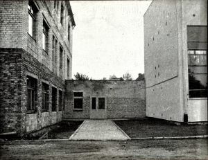 Widok nałacznik sali zeszkołą- IV 1977 r