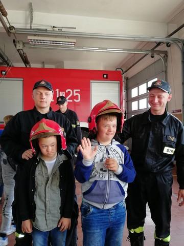 Wycieczka dydaktyczna klas I-III SP do Państwowej Straży Pożarnej w Sławnie