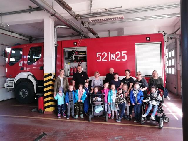 Wycieczka przedszkolaków do Państwowej Straży Pożarnej w Sławnie