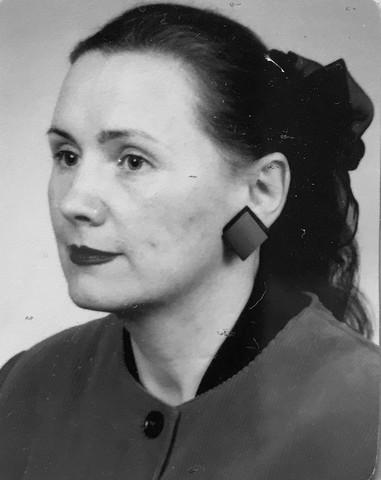 Z głębokim żalem i smutkiem przyjęliśmy wiadomość, że po długiej i ciężkiej chorobie zmarła nasza Koleżanka, emerytowana nauczycielka Dorota Stach (Bolesta).