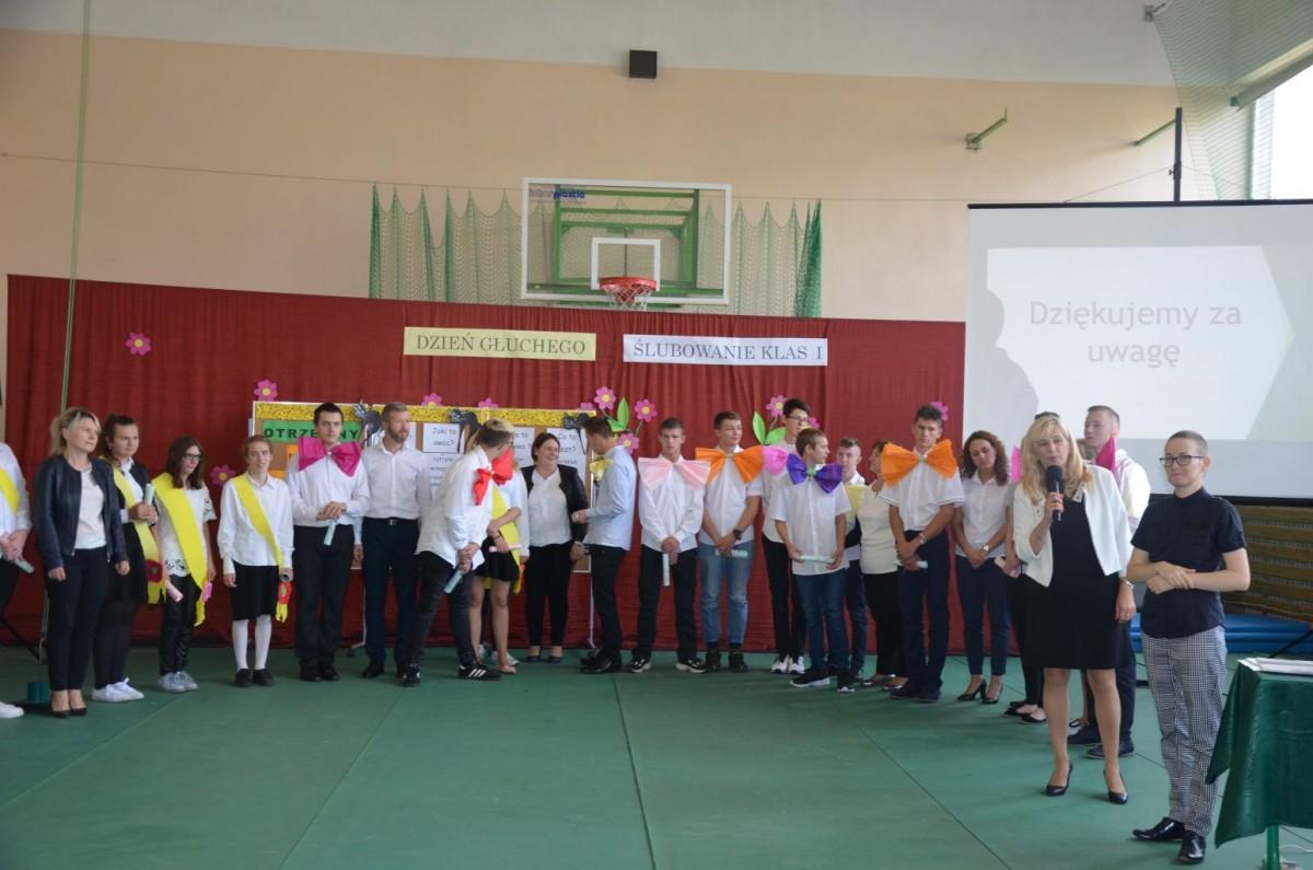 Międzynarodowy Dzień Głuchego i Ślubowanie klas I