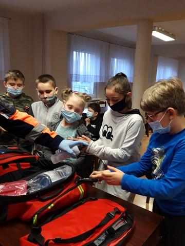 Spotkanie klas 1-3 SP               z ratownikiem medycznym – 26.11.2020r.